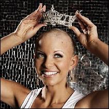 Chica calva de Estados Unidos gana concurso de belleza