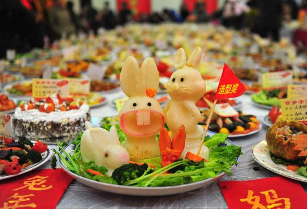 Banquete en enorme escala para recibir el año nuevo chino