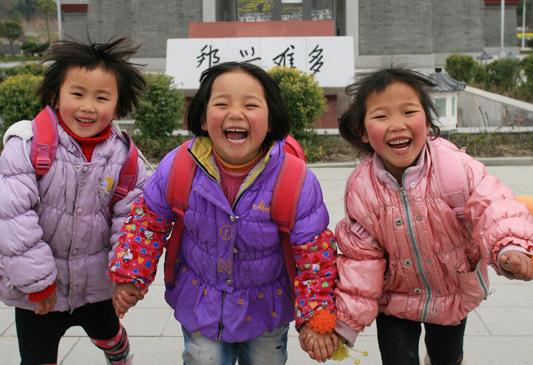 La vida en Sichuán tres años después del seismo: ¡caras sonrientes más bellas!