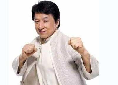 Actor chino Jackie Chan compra avión a la brasileña Embraer por 30 mdd
