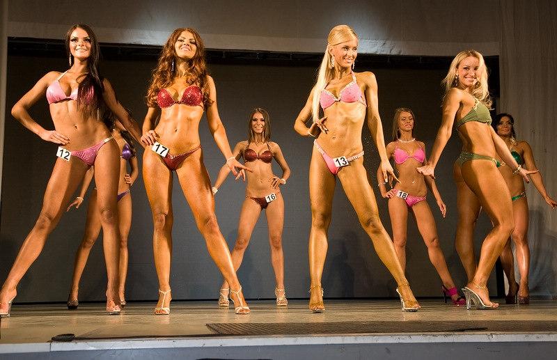 Miss Italia deja atrs el desfile en bikini - BBC