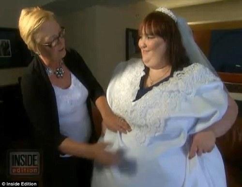 vestido de novia más grande del mundo ¡ella pesa 362 kilos!_spanish