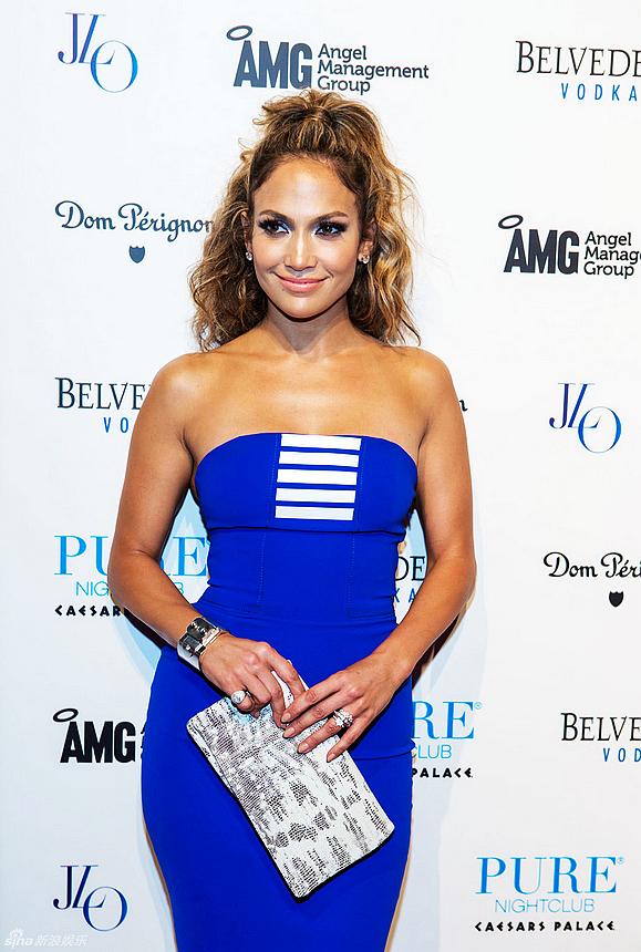 Jennifer Lopez on El Aviso Magazine San Fernando Valley September 2017 Issue #35
