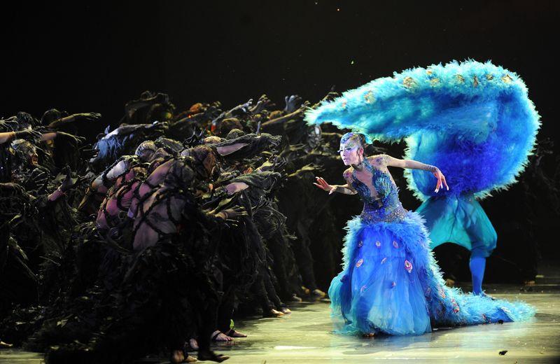 Yang Liping, la célebre bailarina china en su espectacular ballet 'Pavo Real'