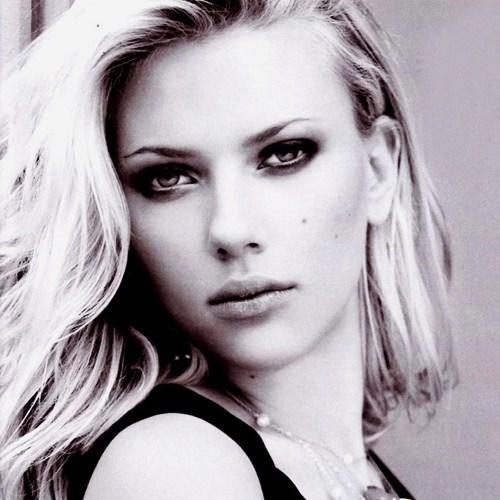 Celebridades con ojos ... Scarlett Johansson