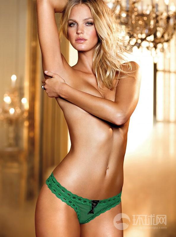 Modelos topless presentan ropa interior de victoria 39 s for Modelos en ropa interior