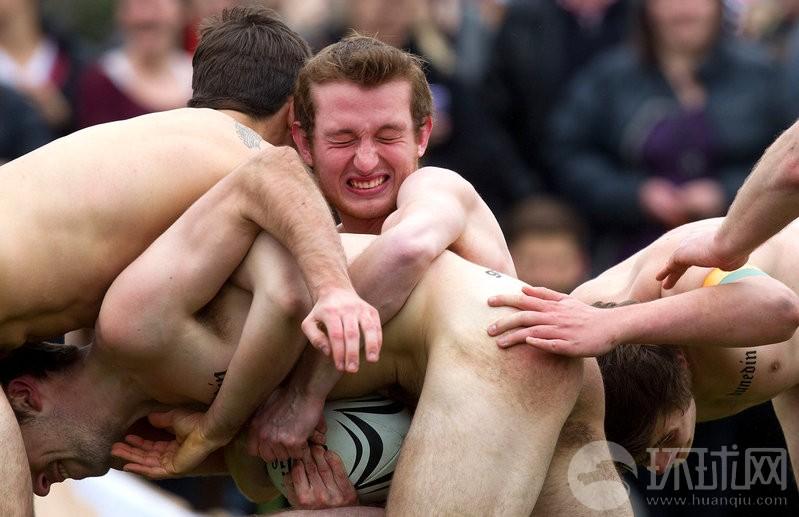 Jugadores desnudos del rugbi de Nueva Zelanda