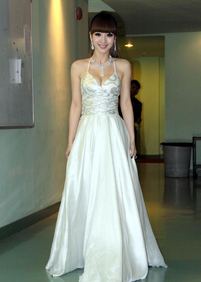 las celebridades chinas en vestidos de novia_spanish.china.cn_