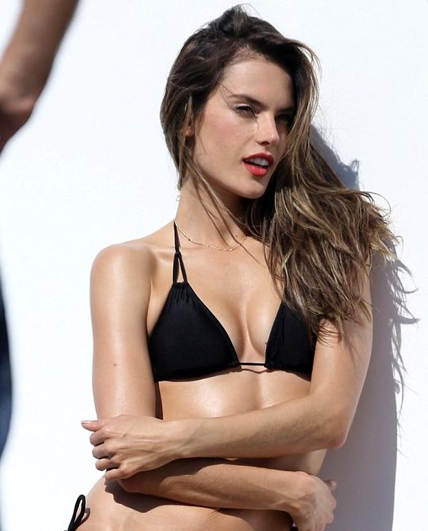 Sexy fotos de Alessandra Ambrosio en bikini_Spanish.china.org.cn ... Alessandra Ambrosio