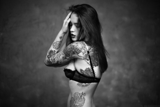 татуировки на руке для девушки надписи фото