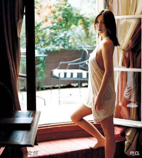 Foto japonesa desnuda cama images 6