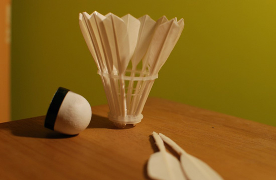 una pelota de badminton