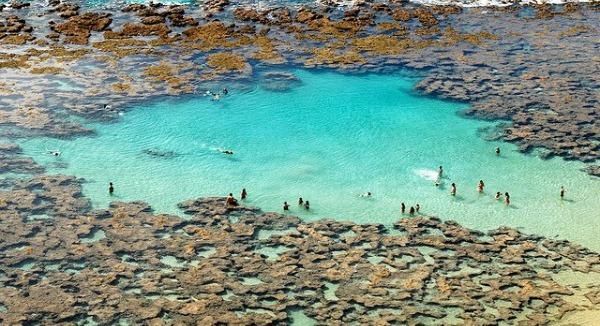 Las piscinas naturales m s originales del mundo spanish for Piscinas naturales del mundo