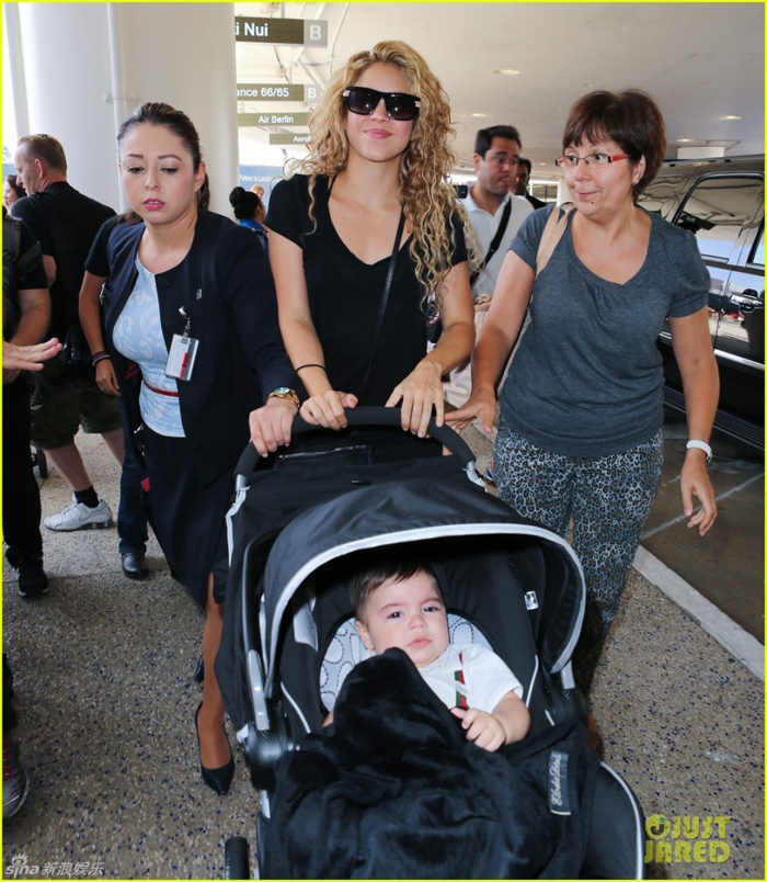 Shakira,novia de Piqu&... Shakira