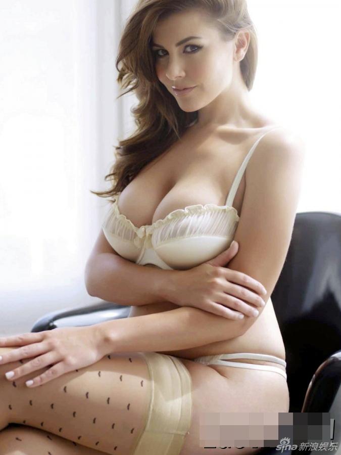 Palabras clave: Fotos de la mujer con pechos grandes