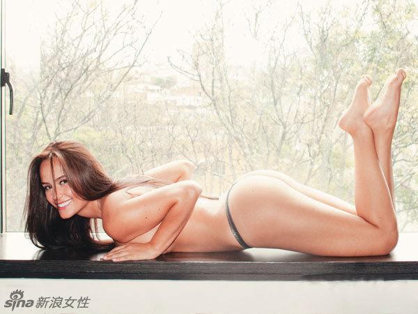 modelo latinoamericano ana lucia dominguez posa desnuda