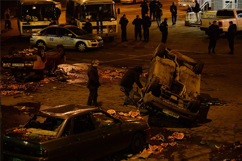 Más de 300 detenidos por disturbios contra inmigrantes en Moscú
