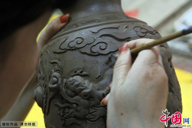 T cnicas artesanales de la antigua cer mica del r o for Tecnicas para esmaltar ceramica