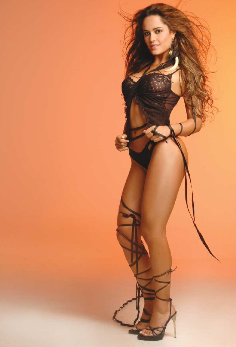 Ana Lucia Dominguez En Tanga fotos seductoras de la sexy model colombiana ana lucía