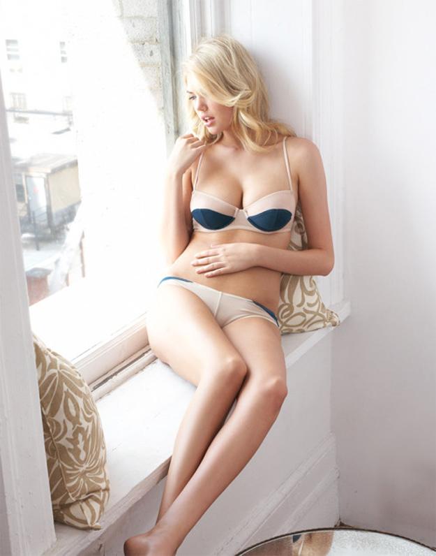 Nuevas fotos de la sexy supermodelo Kate Upton posando en ropa interior f41f00477652