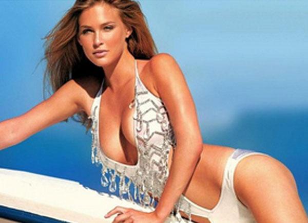 La espectacular súper modelo Bar Refaeli muestra su lado más sensual ... Bar Refaeli