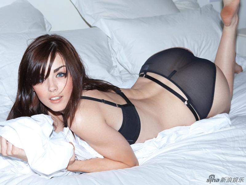 Modelo Joven Danielle Sharp Posa Sexy Para Fhm Spanish