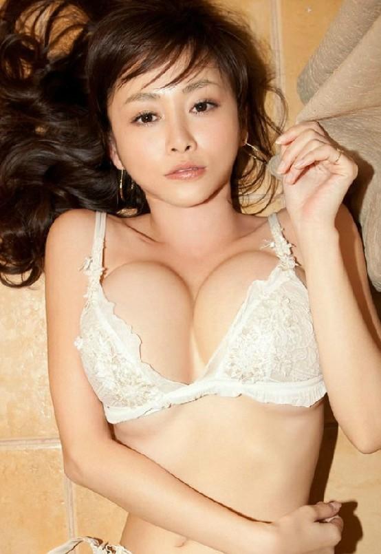 Selección de fotos seductoras de la sexy actriz japonesa ...