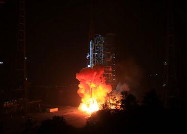 China lanza su sonda lunar Chang'e-3