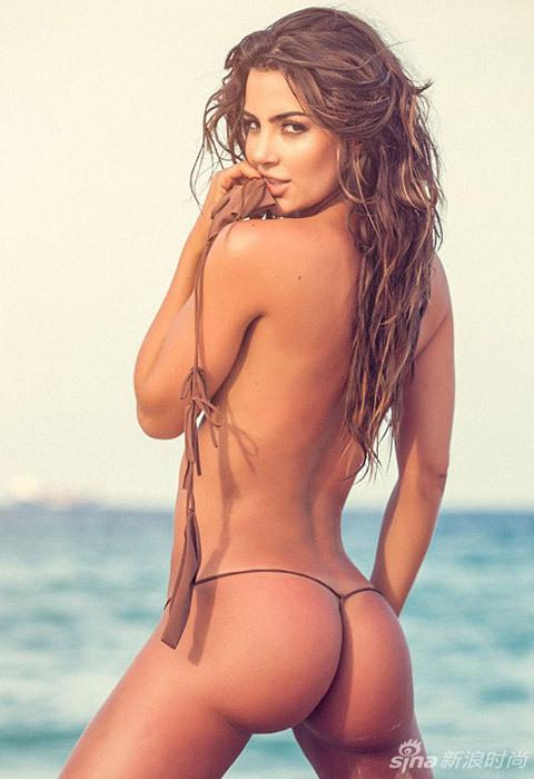 Fotos seductoras de la supermodelo en bikini diminuto