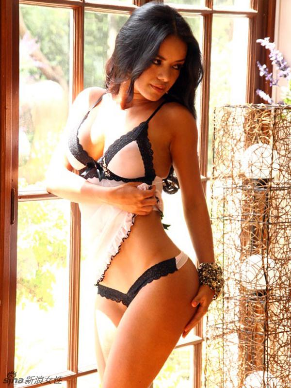Silvia navarro desnuda en cabeza de buda - 4 4