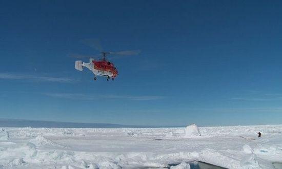 El helicóptero chino Snow Dragon rescata a pasajeros atrapados en la Antártida