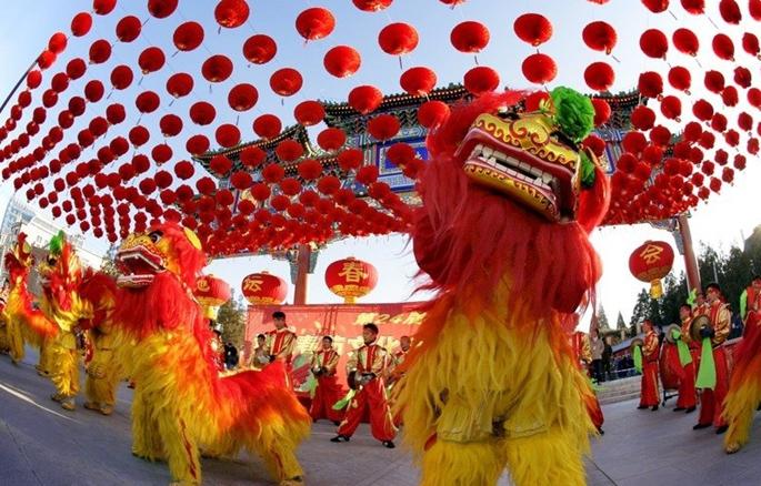 Danza del dragón y danza del león