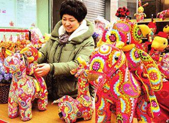 Caballos de tela se popularizan en centros comerciales