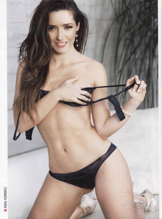 huge boobs bouncing nude