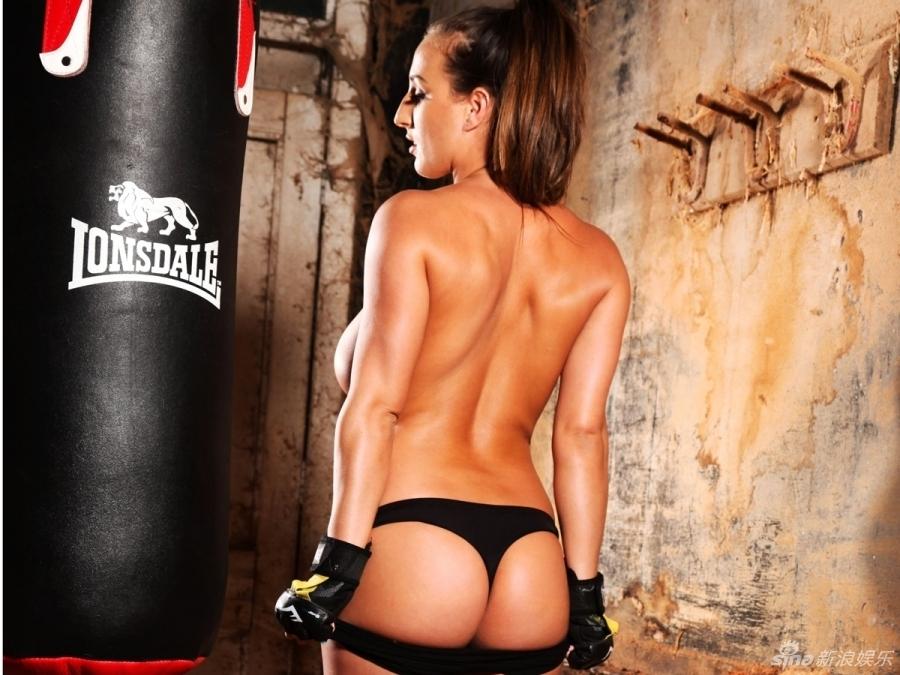 Stacey Poole Se Convierte En Sexy Boxeadora Y Ostenta Sus Atributos Spanish China Org Cn