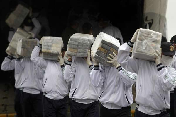 Perú realiza decomiso histórico de 7.6 toneladas de cocaína