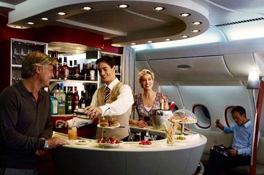 Lujosas primeras clases en distintas aerolíneas del mundo