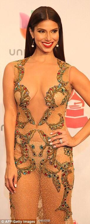 Roselyn Sánchez Lleva El Vestido Más Osado De Los Grammyspanish