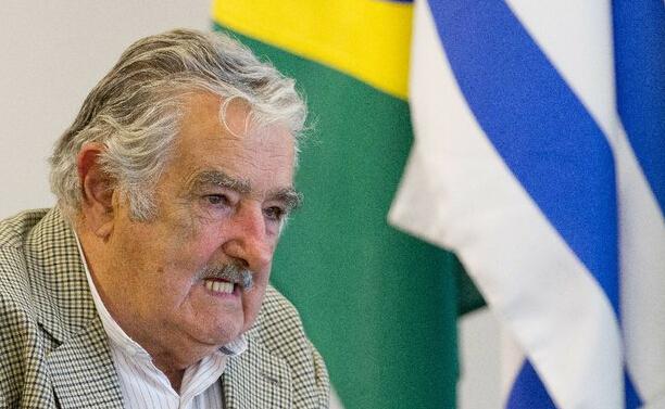 Mujica pide a los mexicanos que apoyen al Estado por caso de Ayotzinapa