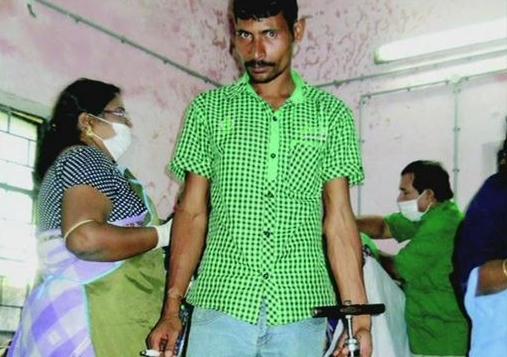 Médico utilizaba una bomba de bicicleta para esterilizar mujeres en la India