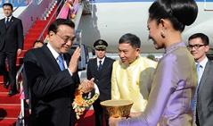 China y Tailandia firman memorando de entendiiento sobre cooperación ferroviaria
