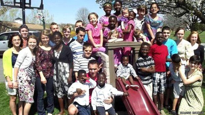 Una familia con 34 hijos que continúa creciendo