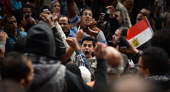 Mueren 11 egipcios en manifestaciones conmemorativas de levantamiento