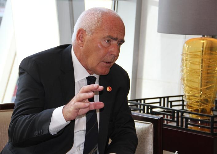 El ministro de Turismo de Argentina Enrique Meyer