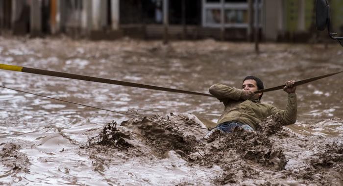 Se elevan a 17 muertos y 20 desaparecidos cifras por inundaciones