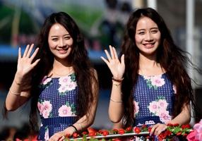 Yunnan ve doble en el festival de los mellizos