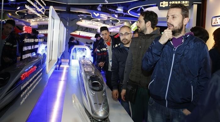 Muestran modelo de tren de alta velocidad de China en Expo de Milán