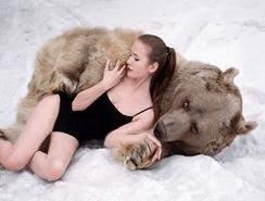 sexy sesión de fotos de modelos rusas en protesta contra caza de animales