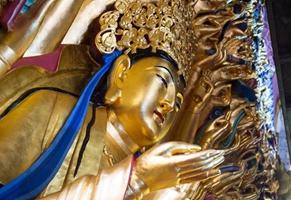 Enciclopedia de la cultura china: El Buda de las Mil Manos 千手观音