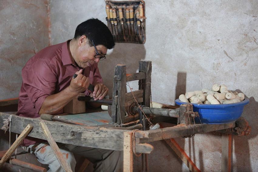 Antiguos juguetes de madera a n son populares en shandong - Juguetes antiguos de madera ...